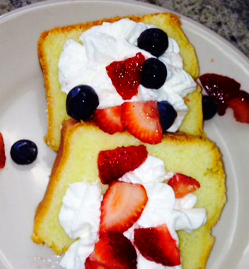 Traditional Pound Cake (2)